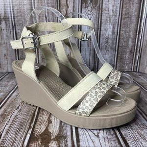 Crocs Leigh Leopard print wedge sandals- size 8